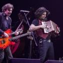 eric-bazilian-rock-meets-classic-2013-nuernberg-09-03-2013-02
