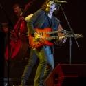 eric-bazilian-rock-meets-classic-2013-nuernberg-09-03-2013-08